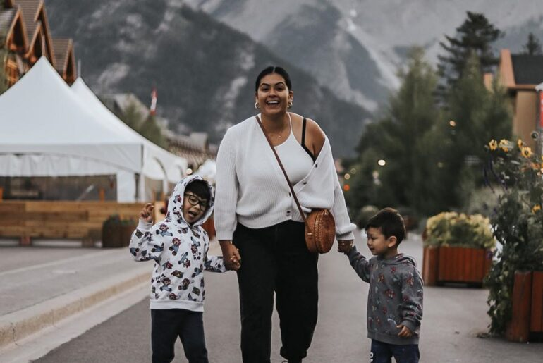 Banff Avenue, Traveling with kids to Banff