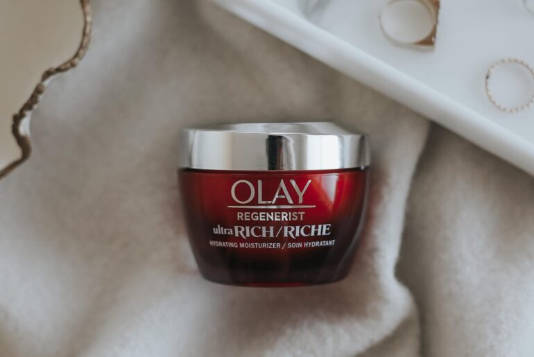Rich moisturizer, Very dry skin Best drugstore moisturizer Affordable skin care Affordable skin care products Best affordable skin care o Best face moisturizer for very dry skin Winter skin Non-greasy Soothing Hydration Shea Butter